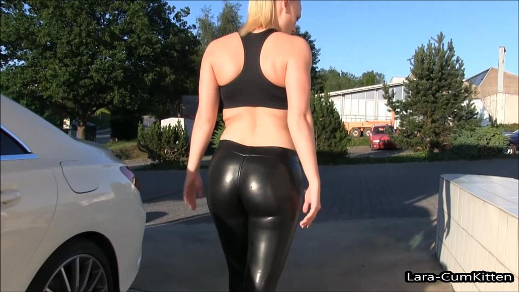 Leggings milf arsch dies